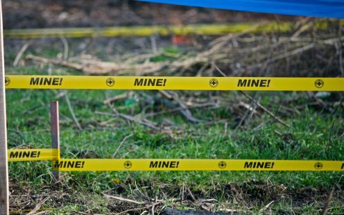 Anti-personnel mines used in Bosnian war were usually dug between the trenches and the enemy. The location of Serb–Croat-frontline right here changed several times during the war – but the land mines remained underground for 15 years.