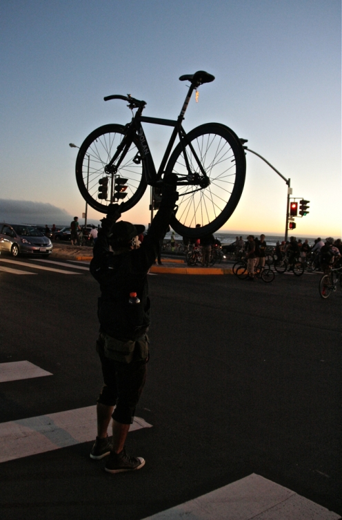 Bike lift at the beach. San Francisco Critical Mass Aug 30 2013. Photo: Miikka Järvinen
