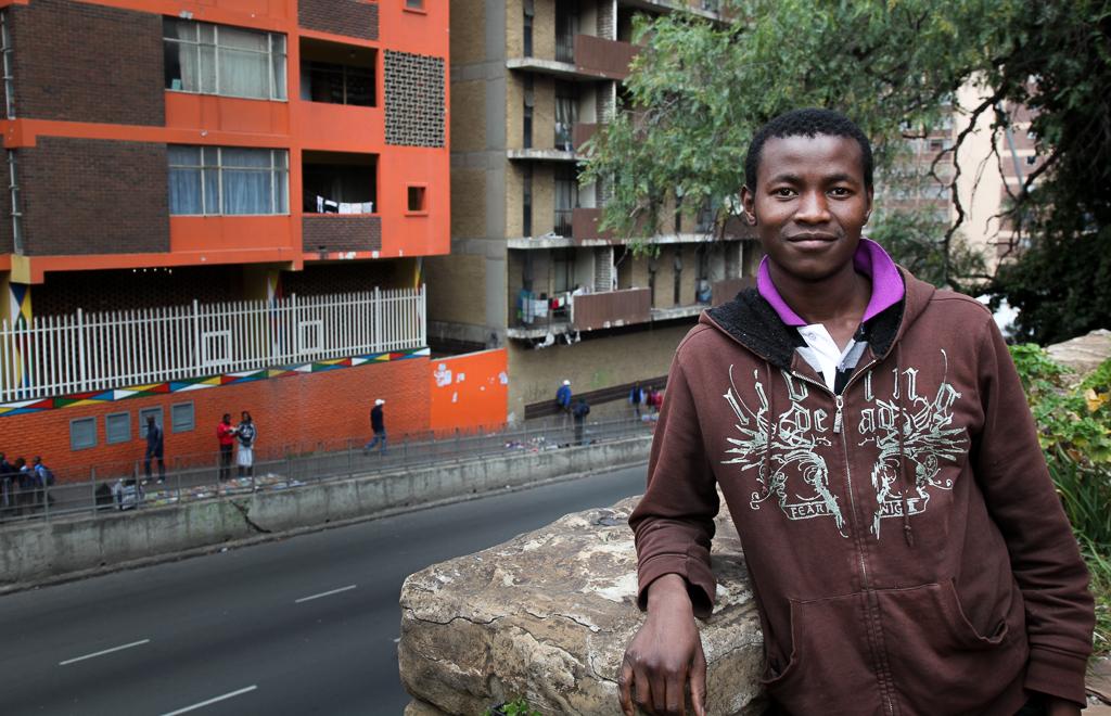 – Apartheid istutti ihmisiin epäluuloisuuden. Minun ja valkoisen työkaverini on välillä vaikeaa luottaa toisiimme, Wiseman Ngobese sanoo.