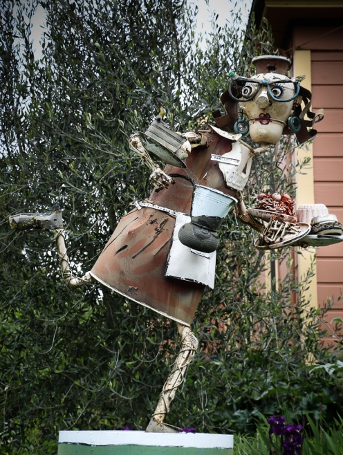 Sculptures of Patrick Amiot and Brigitte Laurent on Florence ave, Sebastopol, CA.