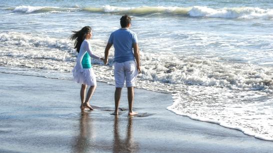 Lovers on the beach, Santa Cruz, California