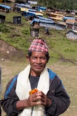 Kumar Thami on shamanistista kirat-uskontoa tunnustavan yhteisön hengellinen johtaja.