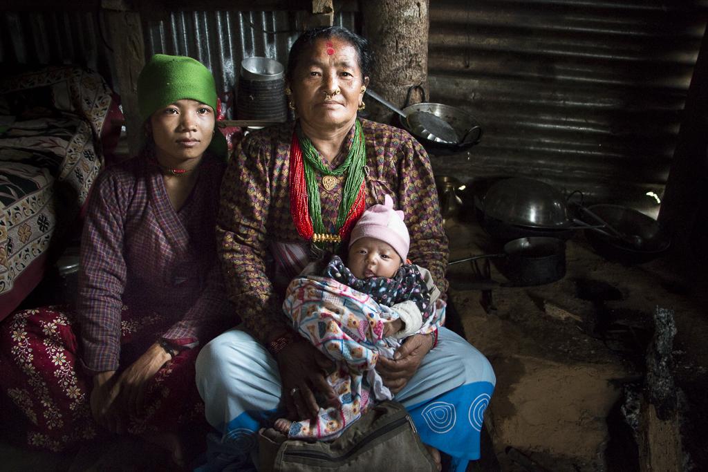 Bimala ja Gauri Thami eivät ole sukua. Thami-heimolla on yhteinen sukunimi.