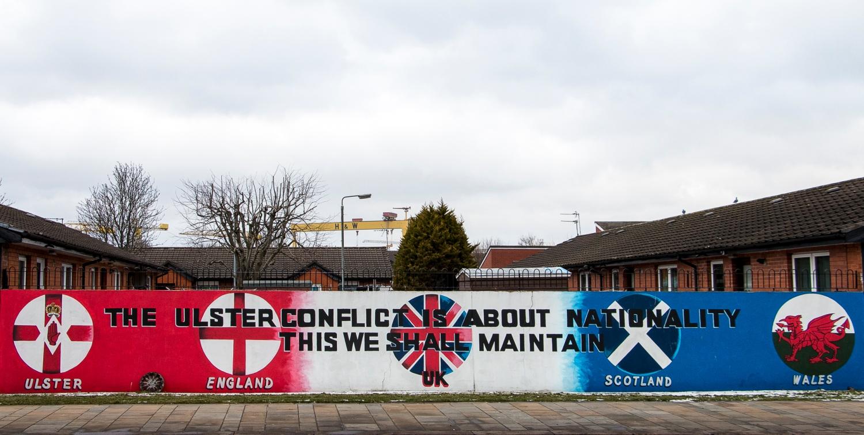 Lojalistinen seinämaalaus muistuttaa, että Ulster eli Pohjois-Irlanti kuuluu edelleen Yhdistyneeseen kuningaskuntaan.