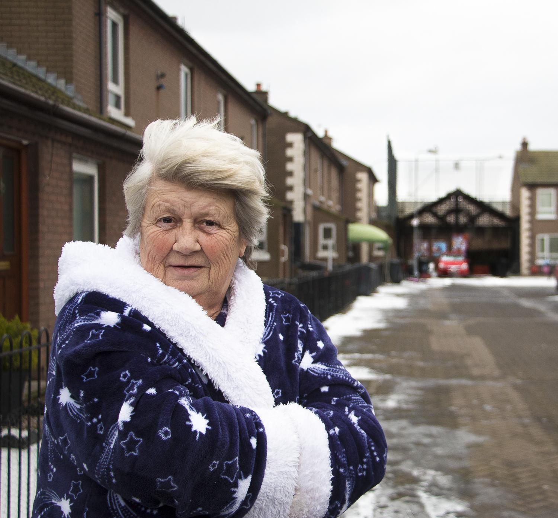 Margareta Abbott ei ole puheväleissä katolisten naapureidensa kanssa.